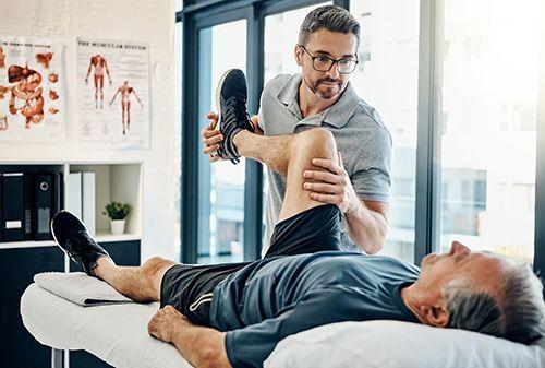 Cómo te puede ayudar un fisioterapeuta -canalSalud