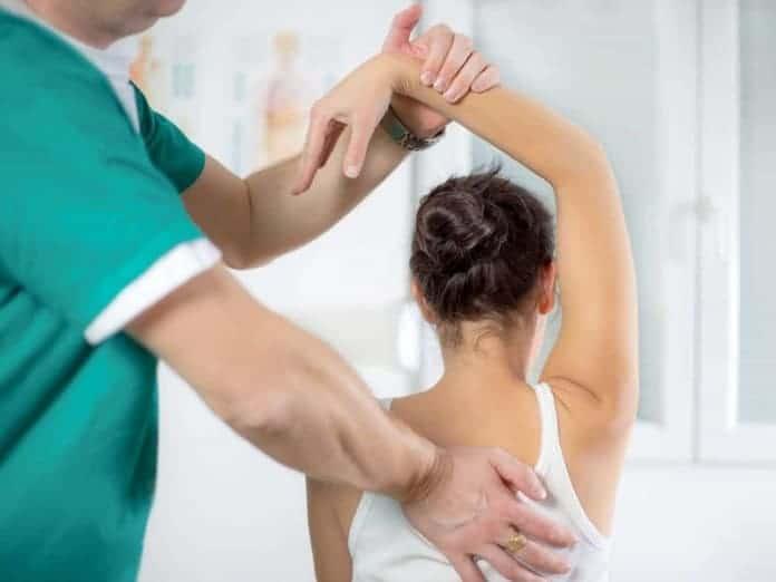 Las 5 preguntas más comunes que se hacen al fisioterapeuta - mSoluciona Retiro